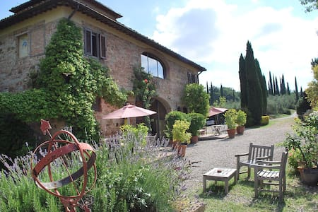 Villa in Tuscany with friends :) - Bed & Breakfast