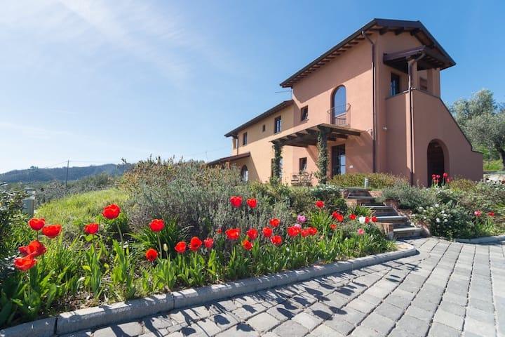 Farmhouse Podere Raffanna Ecologic House