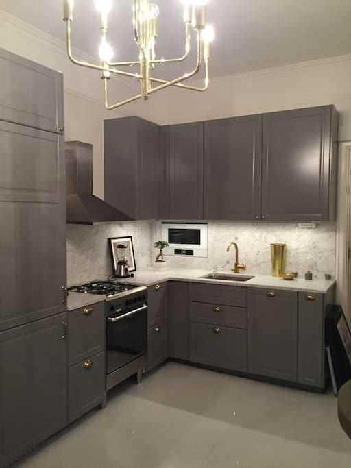 New renovated kitchen with exclusive materials. Fridge, Bosch-microwave, dishwasher etc