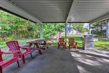 There's enough seating for your group of 10 to relax outside.