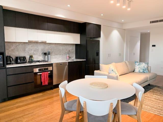Lovely new convenient apartment in Turramurra