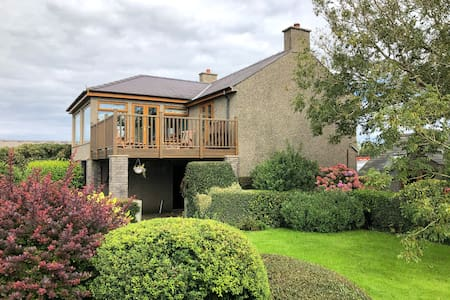 Clean, private, central to Llŷn in the countryside