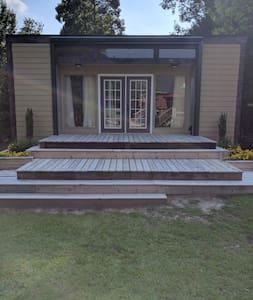 Garden Studio - Bungalow