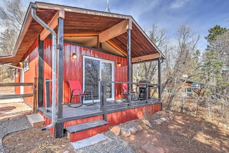 2BR Manitou Springs Cabin near Recreation! - Manitou Springs - Mökki