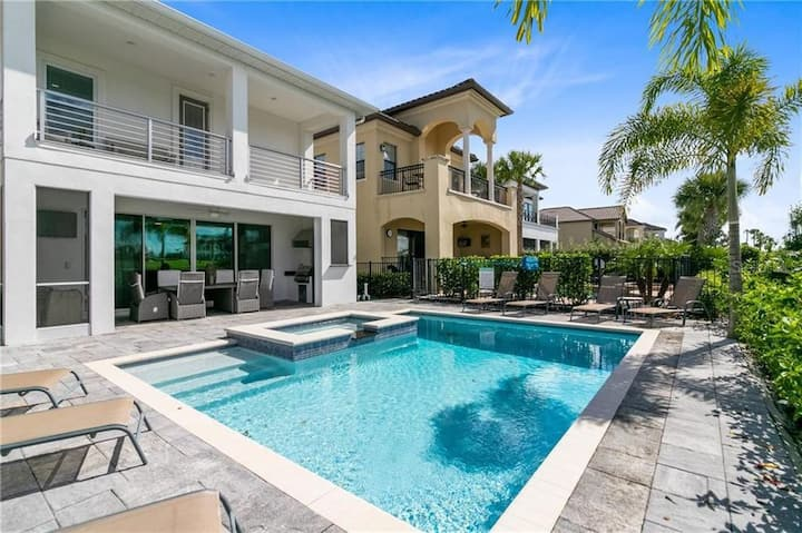 Modern luxury Pool Home Close to Disney (1036)