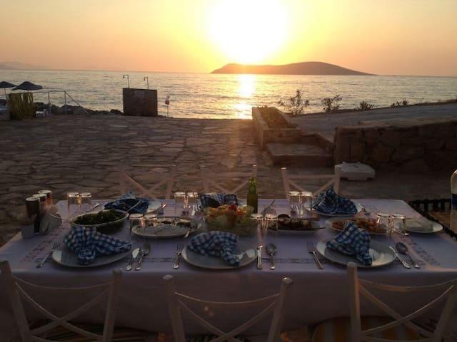 Site içerisinde özel plajlı villa - Bodrum