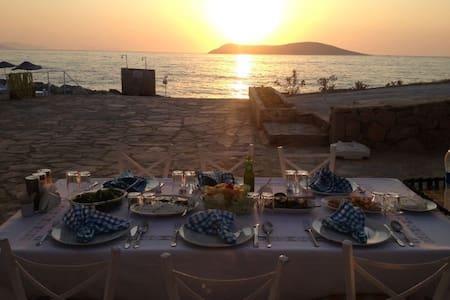Site içerisinde özel plajlı villa - Bodrum - Vila