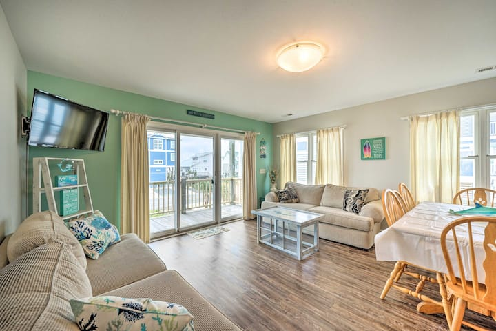 Coastal Family Home with Grill, Walk to the Beach