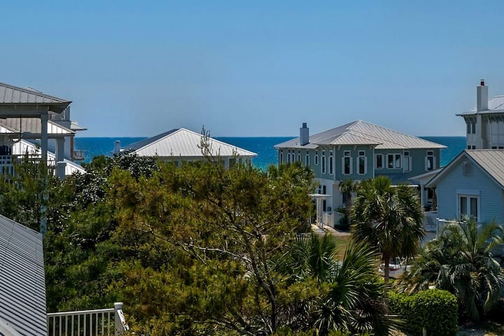 Beautiful Newly Renovated Spring 2020 Beach Home! 2 Community Pools- Steps to Private Beach Access