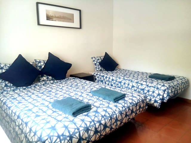 Amazing Triple room in the heart of Barcelona