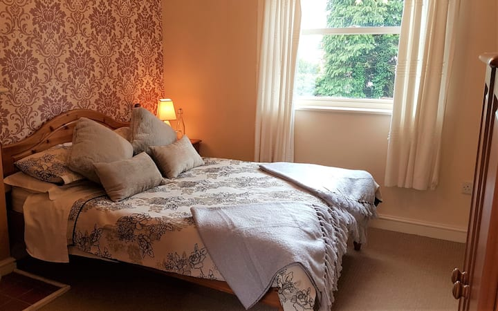 B&B: Double Room. Converted Barn & Former Pub (#3)