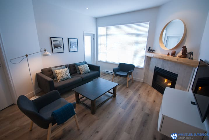 Family Condo, Central Village Location, Fully Renovated, Free Parking  & WiFi