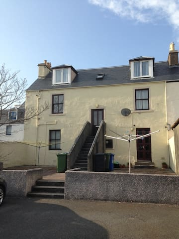 Victorian Townhouse Apartment,  Stornoway t/centre - Stornoway - Apartment