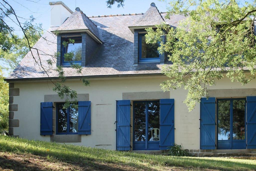 Belle maison avec jardin jeux maisons louer - Maison a louer 3 chambres avec jardin ...