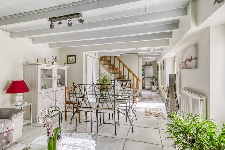 Pretty Holiday Home in Dax with Garden
