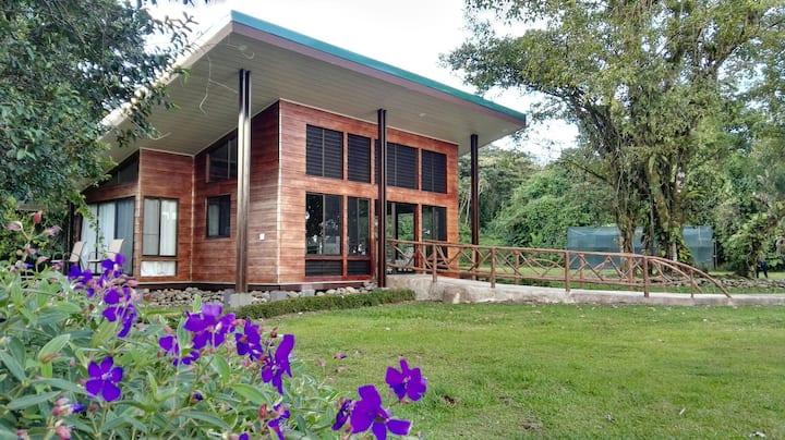 Arenal Wild Villa