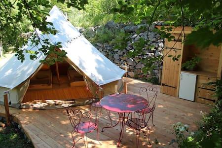 Belle Tente en Coton en pleine nature