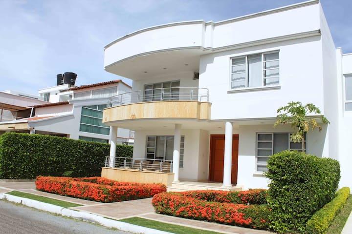 High Standard - Modern - Safe Big House in Cucuta