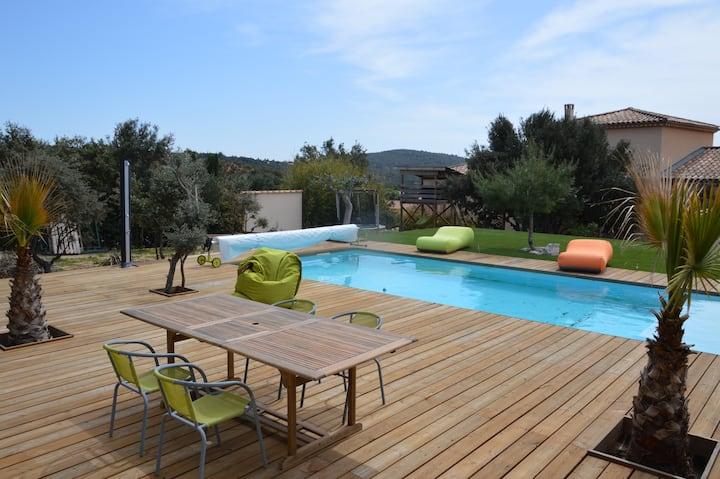 F3 dans villa avec piscine privative pour famille
