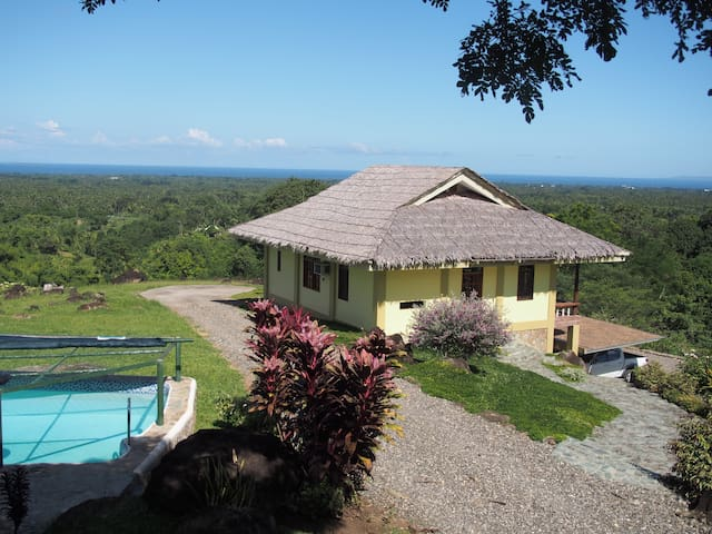 A cozy home with fantastic view of the sea - Dumaguete