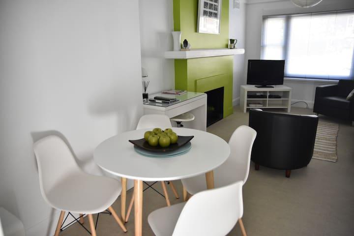 Charles St Deco Apartment 1 - Launceston - Pis