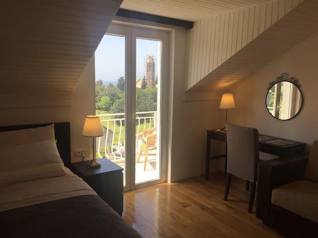 Amaryllis - Seaview studio with balcony & the pool