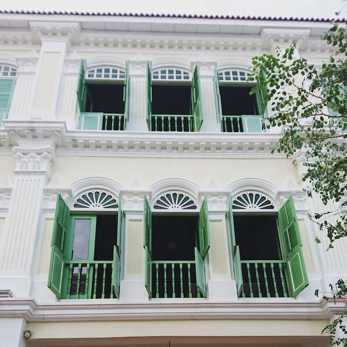 Peranakan architecture . Consist of 2 units with different design