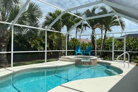 Lasting Memories Tropical Oasis pool Home