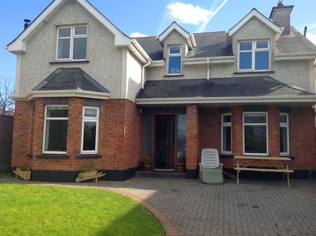 Spacious 4 double bed detached in The Boyne Valley - Athboy