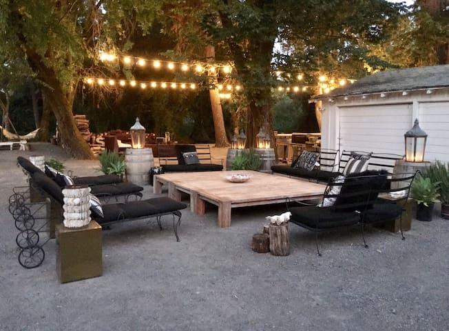 Kamp Casa, Rustic Luxury in Sonoma Wine Country