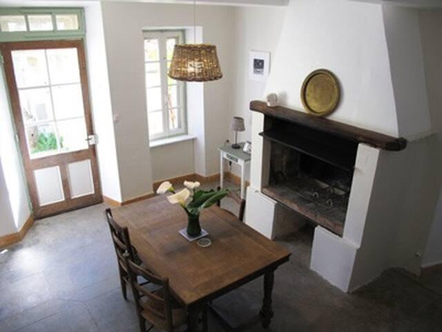 Grand gîte de charme dans un domaine viticole - Azillanet - Natur-Lodge