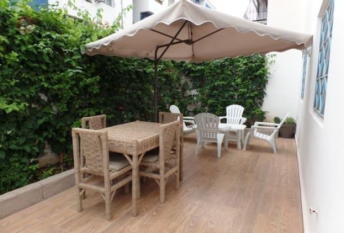Bel appart 3 pièces entourée de 80 m² de jardin - Agadir - Wohnung