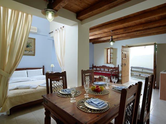 Petronikolis Cretan Suite 80m2 - Choudetsi
