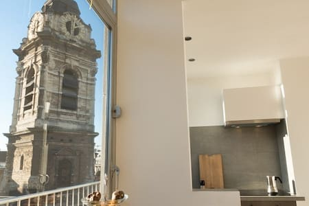 Sunny apt, open view, just 3min from Grand Place. - Bruselas