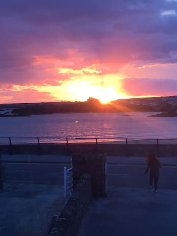 Location, Location, Location..... - Trearddur Bay - Vacation home