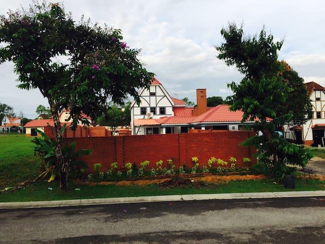 Charming villa 1 a Famosa  (Muslim) - Alor Gajah - Vila