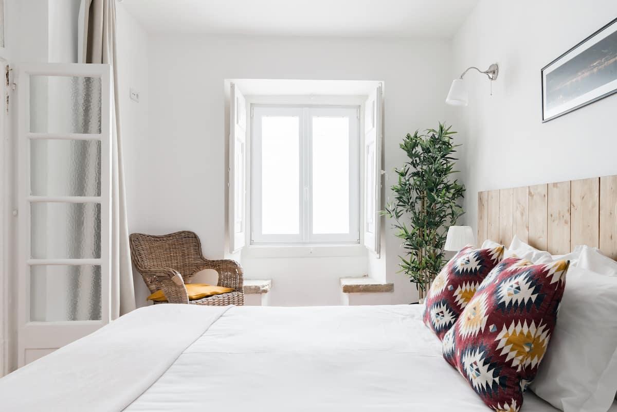 Garden Oasis Apartment with Patio