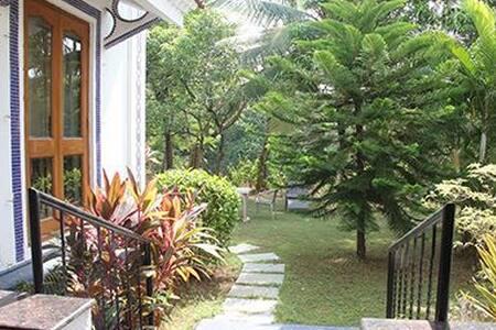 Luxury Garden Villa Facing Backwaters