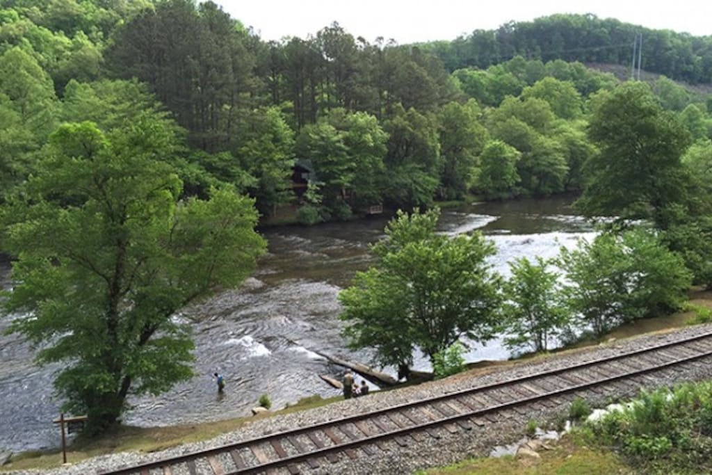 What a day to go fly fishing on the Toccoa River