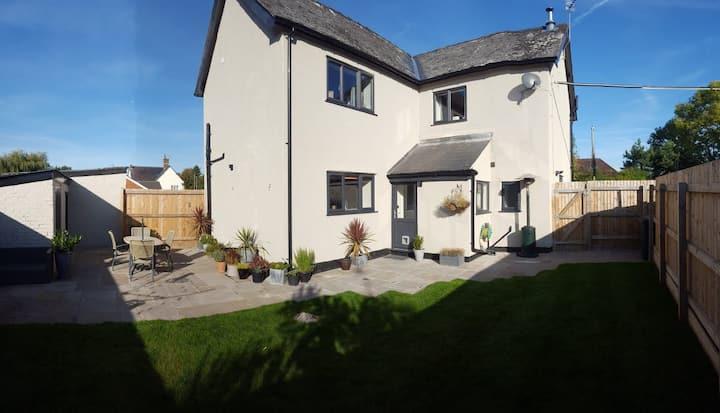 The Cob House. Entire house, garden & parking