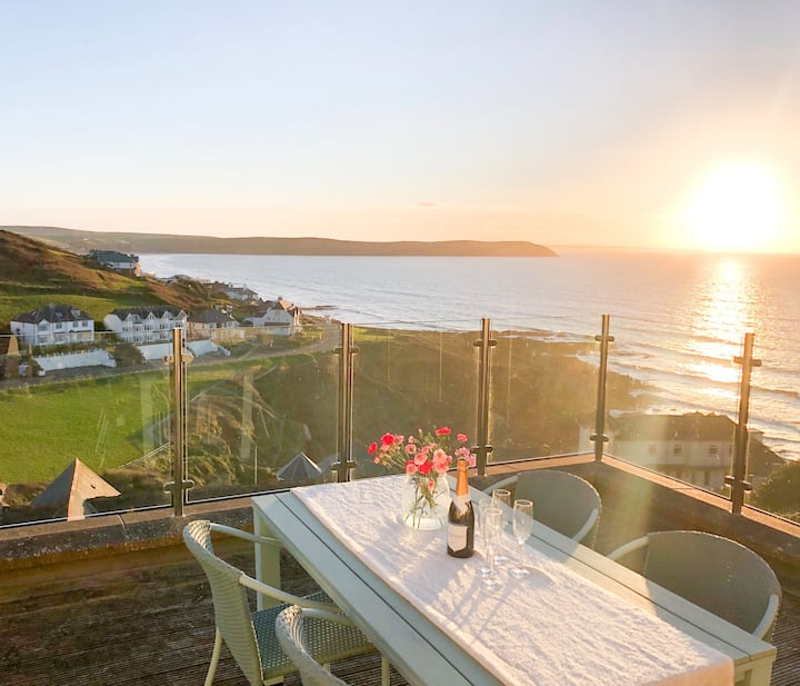 Woolacombe; Luxury 2 Bed Apartment, Sea Views