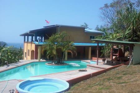 Casa Macana - Cacique