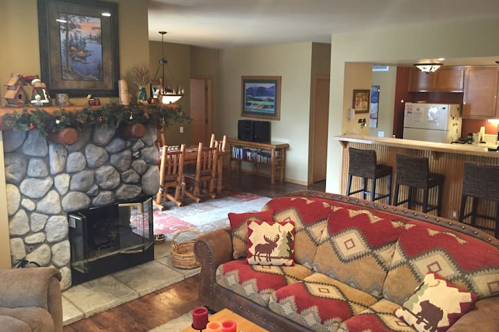 Snowcreek V 875, Mammoth Lakes Retreat!  2019