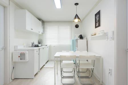 Tripholic (Super Single Bed) [JUST OPENED] - Jongno-gu - Casa de hóspedes