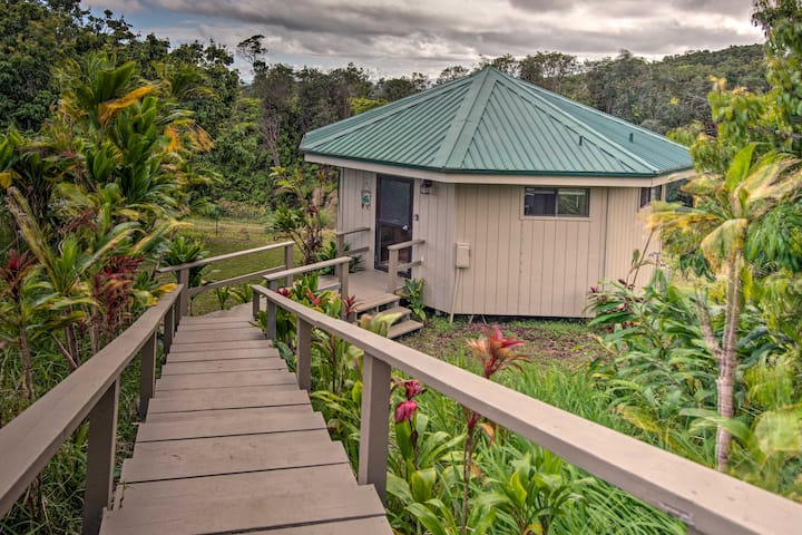 NEW! Hilo Couples Retreat ~6 Mi to Honoli'i Beach!