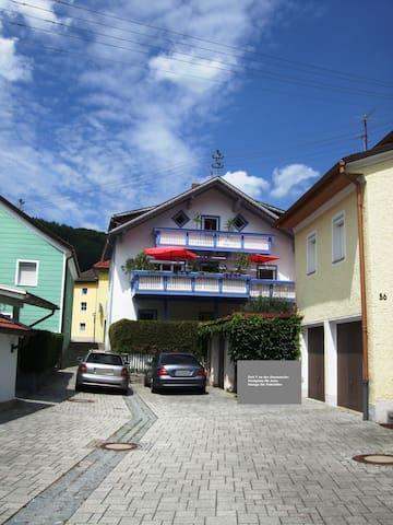 Ferienwohnung Örtl 7, Obernzell: zentral gelegen
