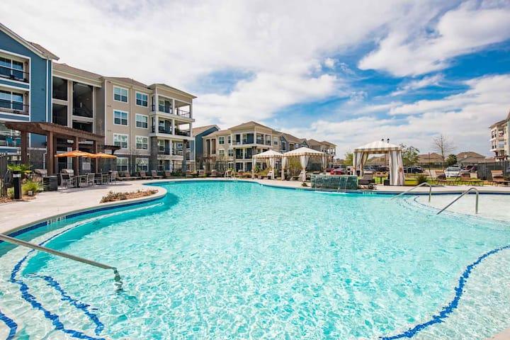 Lavish Furnished Pool View Apartment**
