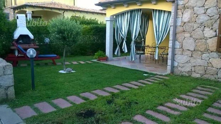camera doppia + bambino/a - Case Peschiera-lu Fraili - Villa