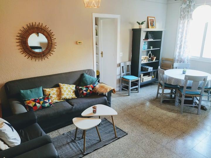 Big family apartment near  Barcelona /airport/fira