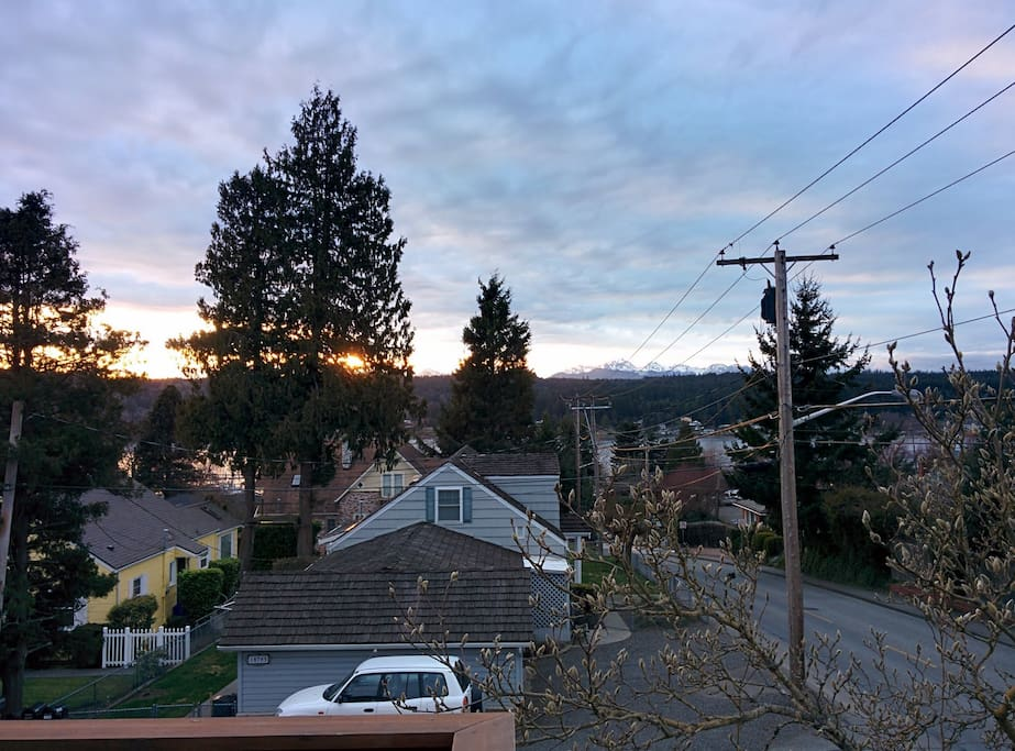 Short walk to all downtown Poulsbo